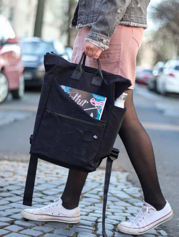 Black Backpack • Neuer Rucksack ohne Schnitt